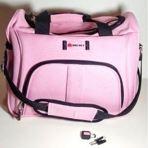 NWOT Delsey Lockable Duffle Bag